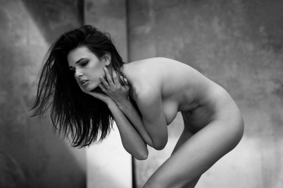 Single Light Nude - Fotografie
