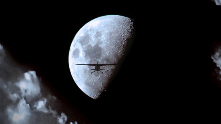 Kreative Mondaufnahmen mit Superresolution und einfacher Montage
