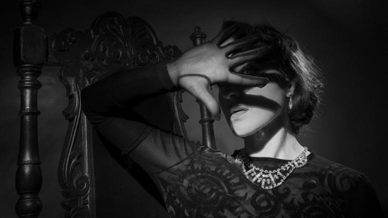 Faltbares Licht für den Systemblitz - Film Noir Look