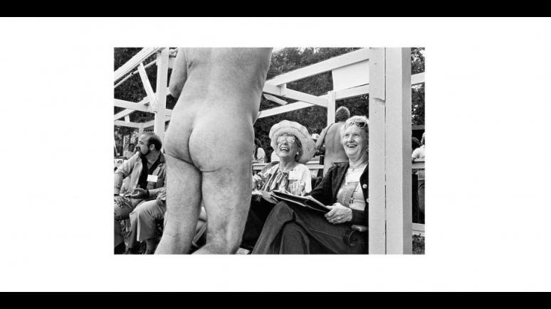 Regarding Women by Elliott Erwitt, Photo © 2014 Elliott Erwitt/Magnum Photos. All rights reserved.